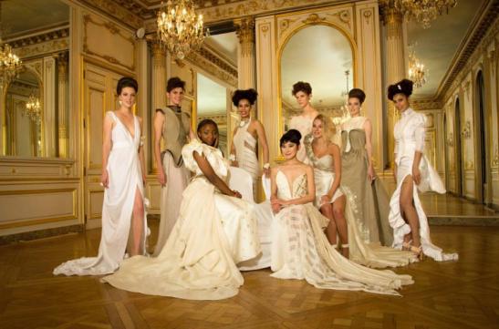 Photo de groupe Exposition c'Couture Paris 2015, Robes en lin, bijoux céramiques de Fanny Acquart Gensollen
