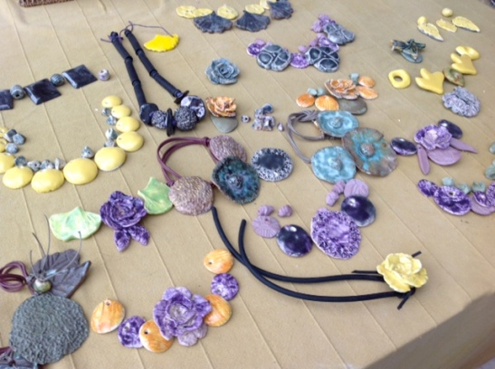 Composition éléments pour bijoux céramique